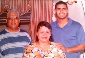 El autor con sus padres